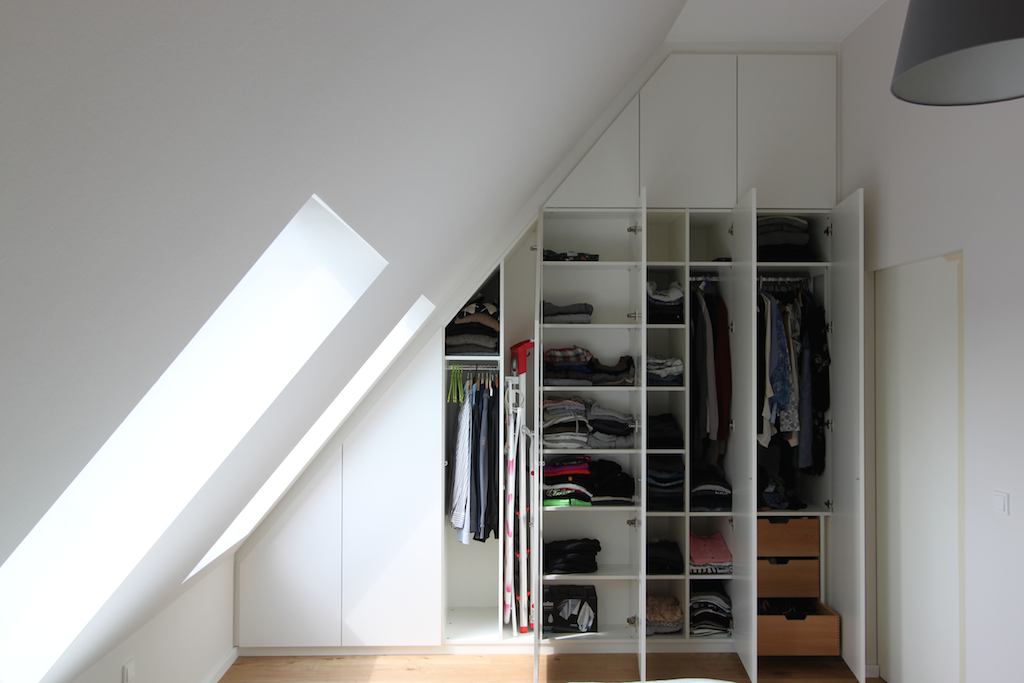 dachschr genschr nke einbauschr nke f r dachschr gen. Black Bedroom Furniture Sets. Home Design Ideas